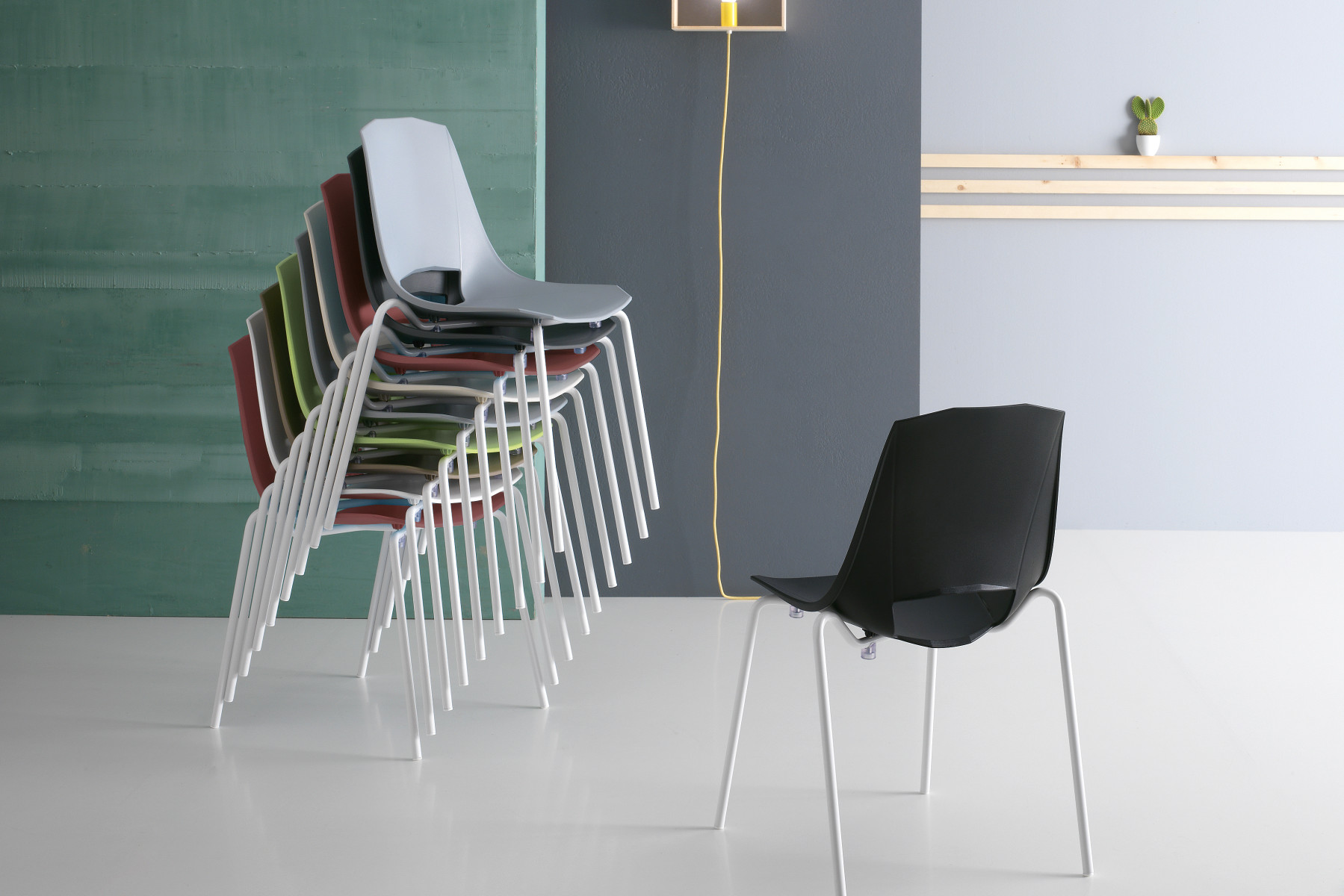 EVA 2<br>CHAIR
